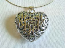 Chunky silver filigree heart necklace
